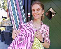 <br/><a href='https://www.ifi.no//skift-stil-pa-terrassen-med-tepper-og-tekstiler'>Klikk her for å åpne artikkelen: Skift stil på terrassen med tepper og tekstiler</a>