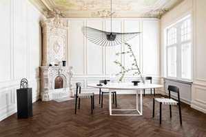 <b>RUSTIKK:</b> Det mørke gulvet Segno Eik Old Brown gir hjemmet et mer rustikt uttrykk, og får frem den klassiske og varme følelsen. Den børstede overflaten er behandlet med hardvoksolje, og de lette fasene forsterker det rustikke uttrykket.