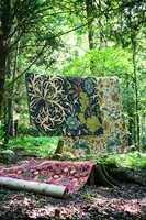 Tyngden i fargene og materialene roer ned helheten. (Foto: INTAG)