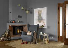 <b> JEVNT: </b> Malingen skal påføres jevnt over hele flaten. I hjørner og langs lister der det kan være vanskelig med stor rull, brukes minirull eller pensel. (Foto: Beckers)