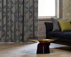 <b>MØRKT:</b> Mørkleggende gardiner i dimout- og blackout-kvaliteter stenger effektivt lyset ute. (Foto: INTAG)