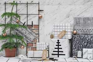 Lag flott juledekor med tapetrester.