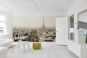 Det vanligste å bruke som kontrastvegg er den innerste veggen i rommet - den uten vindu. Her med fototapet fra Mr Perswall.