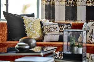 <b>PUTER:</b> Myke puter er både deilig og fint å se på. Disse tekstilene er fra Harlequin/Tapethuset.