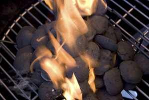 <b>FETTFJERNER:</b> Det finnes mange gode grillrensere på markedet. Alforts «Grillrent» er også konstruert for å fjerne innbrent fett og sot på grillen.