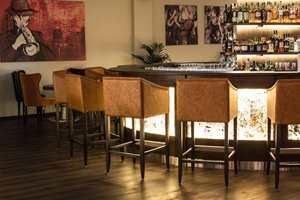 <b>MUSIKKHOTELL:</b> Cocktailbaren på hotellet fungerer som bar og jazzklubb på kveldstid. Her er det særlig viktig at gulvet har gode lydegenskaper.