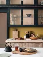 Det er enkelt å gi kjøkkenet et landlig preg. Det gjelder å finne de riktige fargene.