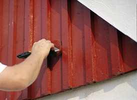 Gjør deg ferdig med veggene før du begynner på noe annet, råder ekspertene.