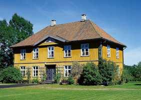 Herskapsboligen på Nyfossum fra 1826, bygget til den tekniske direktør ved Blaafarveværket