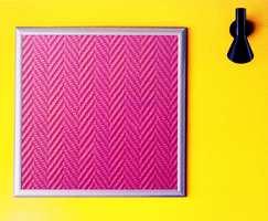Fra kolleksjonen Phantasy - et jaquardvevet mønster på glassfibertapet.
