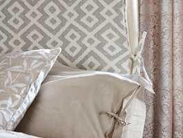 <b>KNYTING:</b> Det nye trekket er festet med enkle bånd, sydd av samme tekstil, i siden.