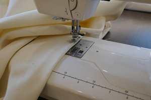 <b>ENKEL SØM:</b> Noen enkle, rette sømmer er det eneste du trenger å sy i dette prosjektet.