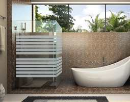 Folien «Linea-Fix» er enkel å montere og kan brukes som dekor på alle glassflater.