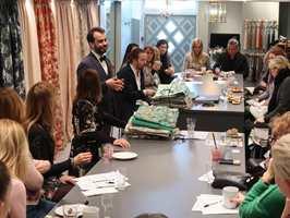 <b>KVALITET FRA ITALIA:</b> Nicola Bortolozzi fra Rubelli er i Oslo for å vise frem sine italienske tekstiler.