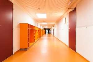 Skolen har elever fra hele verden.