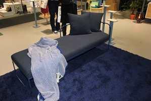 Bonytt viste god, norsk design til flere rom på Oslo Design Fair; i blått.