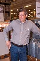 Tom Eidsether er General Manager for Osmo i Norge. Selskapet har over 500 forhandlere av en lang rekke oljeprodukter for treverk. Byggmakker på Brobekk er en av de større.