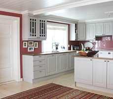 Med et par malingstrøk i favorittfargen kan du endre både sjel og karakter på kjøkkenet.
