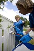 Gjør fasademalingen til en god opplevelse. Inviter venner og familie på malelag.