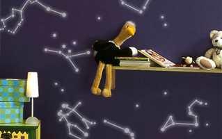 <b>KREATIVT:</b> Lag kreative dekorasjoner på barnerommet med malingen som lyser i mørket!