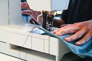 <b>KOMPETANSELØFT:</b> Birgit Torkildsby mener det er viktig å øke kompetansen rundt tekstiler. (Foto: Mari Rosenberg/ifi.no)