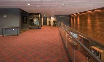Teppemønsteret heter Trondheim Embroidery og ligger i alle vrimleområder og møterom.