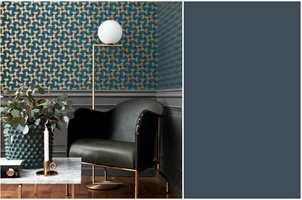 <b>SKANDINAVISK:</b> Med mønster tegnet av danske Arne Jacobsen er du garantert innenfor den nordiske stilen. Tapetet er fra Borge.