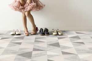 <b>RETRORUTER: </b>Geometriske mønstre er trendy og populære blant annet i hjem med retrostil, og i interiører med grafisk inspirasjon. (Foto: Gerflor)