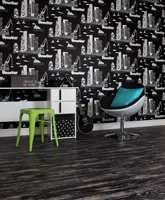 <b>SLITT: </b>Et banebelegg kan brukes til å understreke din personlige stil og gi rommet et særpreg. Rull ut et slitt plankegulv! (Foto: Forbo Flooring)