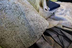 <b>TEKSTILER:</b> Kjølige farger blir lunere på myke tekstiler. Elegante tekstiler fra Rubelli/INTAG.