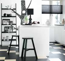 Med klikkbare fliser og plank av linoleum kan du legge ulike mønster. Gulvet er fra Marmoleum Click/Forbo.