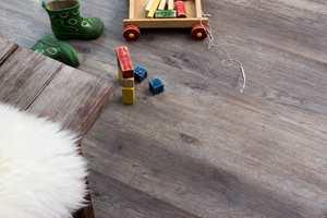 <b>HOME:</b> MaxWear Home er et LVT-gulv fra Golvabia. Gulvet har en vinyloverflate som gir et behagelig og lettstelt gulv. Enkelt å montere med 5G-klicksystem. (Foto: Golvabia)