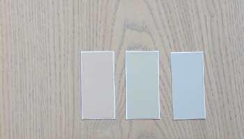 <b>GULV:</b> Husk å sammenlign veggfargene med gulvet. Selv et lyst tregulv har mye farge som påvirker de lyse fargene på veggen.