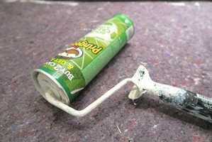 <b>GJENBRUK:</b> Før du kaster den tomme «Pringles»-esken, kan du bruke den som oppbevaringsboks for rullen.
