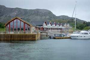 Begrepet «rorbu» har fått et nytt innhold når du ser på de nybygde sjøhusene du finner på den lille øya Bolga på Helgelandskysten; de tilfredsstiller på alle måter de tilreisende turister fra inn og utland.