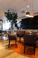 I restaurantområdet er det lagt til rette for ulike spise-  og rekreasjonsområder.