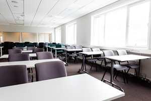 Større møterom kan være nødvendig nå hele staben skal orienteres samtidig – eller om stasjonen får besøk av en skoleklasse.