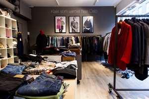 Ny butikk: Veggene i den nye Røde Kors-butikken i Oslo ble malt i fargen «Elephant Skin». Det er brukt Fresco med svamp og Pure & Original Classic med rull. – Vi ønsket en farge som passer sammen med ulike farger fra klærne. Vi er svært fornøyd med valg av maling og farge, sier daglig leder Anna Almqvist.