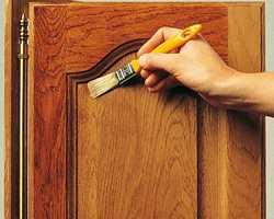Påfør treforsegler med pensel i ett jevnt strøk.<br/><a href='https://www.ifi.no//restaurering-og-vedlikehold-av-gamle-mobler'>Klikk her for å åpne artikkelen: Restaurering og vedlikehold av gamle møbler</a>