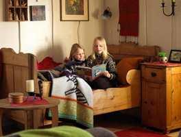 Hytta er et samlingssted for familie og venner, hvor det etter hvert ble behov for større plass. Da utvidelsen var et faktum, falt det naturlig å modernisere rommene samtidig.
