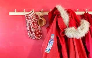 <b>NORSK:</b> Da Fargerike lanserte rødt som Årets farge 2017, påpekte de at rødt er «typisk norsk». Og den friske rødfargen kan utvilsomt dra assosiasjonene til skiturer, hyttekos og jul. (Foto: Fargerike)