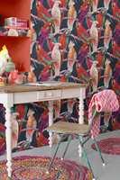 <b>LEKENT:</b> Lek deg med et sprekt, morsomt og fargerikt tapet fra Colourful Living fra Borge. Det blir garantert lagt merke til!