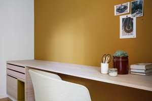 <b>FARGET VEGG:</b> Ytterveggene er holdt hvite, mens veggene mellom rommene er malt i farger fra den nye paletten.
