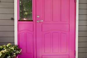 Døren som et utropstegn.