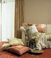 Her har vi samlet et knippe stripete tekstiler: gardiner, putetrekk og gulvteppe. La deg inspirere!