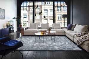 <b>DRØMMEROM:</b> Et avpasset teppe i stuen gjør at det blir hyggeligere å være der. Teppet er fra Van Besouw/Intag.