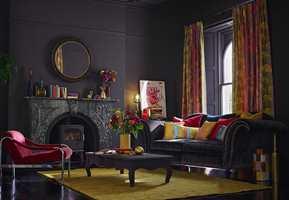 <b>HELHET:</b> Lag et helhetlig interiør med bruk av få farger. Men ikke bruk den samme malingen til møblene som til veggen. Foto: Tapethuset