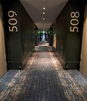 Arbeidet har fordelt seg over 2.300 kvadratmeter hotellkorridorer til 330 rom.