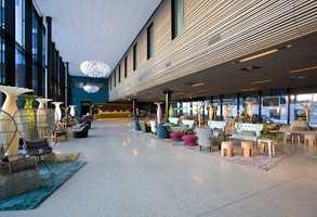 I Scandic-kjedens største hotell fikk kunstneren fritt spillerom.