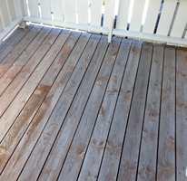 Terrassen etter bruk av Butinox Terrassebeisfjerner.